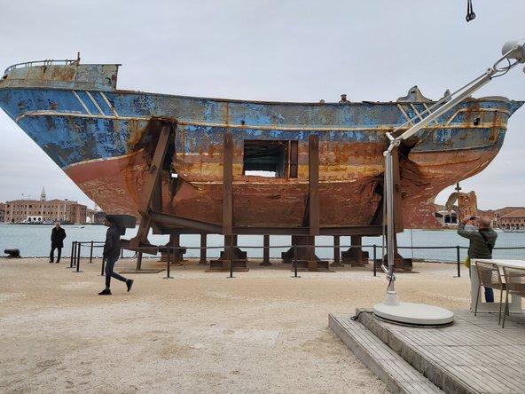 """""""הסירה שלנו"""" של כריסטוף בושל"""