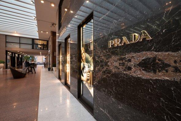 בגלריה קארוור יש חנויות יוקרה של מעצבי על | צילום: pio3 Shutterstock.com