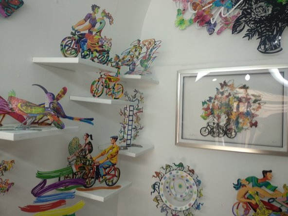 עבודותיו של דוד גרשטיין בגלריה בבזאר התורכי | צילום: סימי שאואר