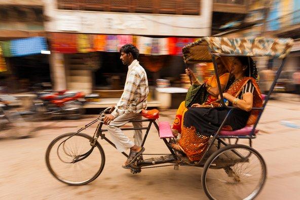 נהגי הריקשות בהודו יודו לכם אם תאמרו להם לשמור על העודף | צילום: Pius Lee / Shutterstock.com