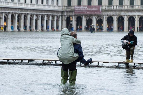 כיכר סן מרקו המוצפת, נובמבר 2019. ההצפה הגדולה ביותר מזה חמישים שנה| צילום: Ihor Serdyukov / Shutterstock.com