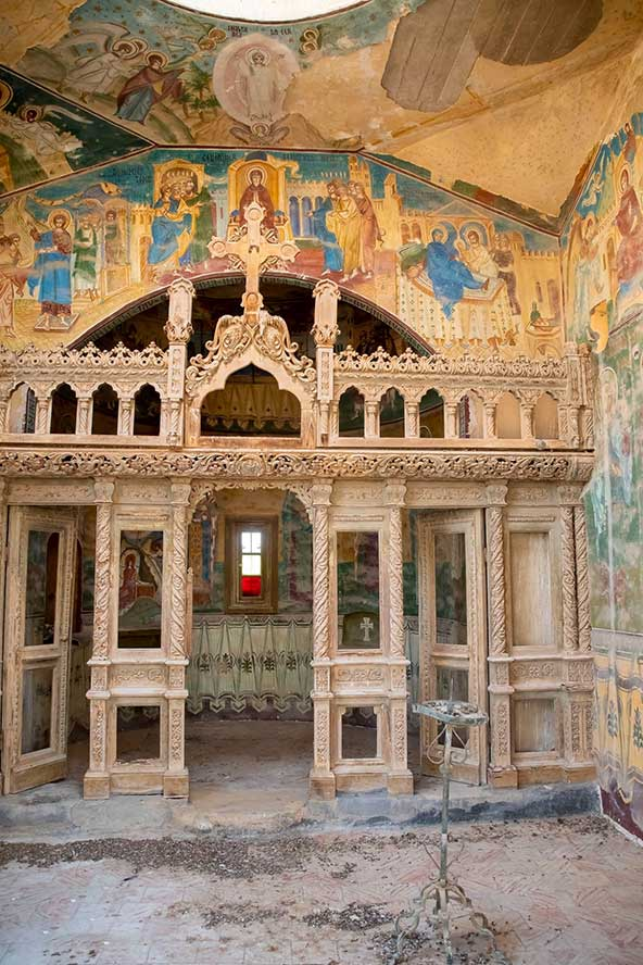 ציורי קיר מרהיבים במנזר הרומני | צילום: אורטל צבר