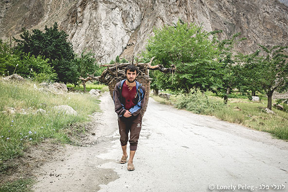 כשמטיילים לבד, אין ברירה אלא להתיידד עם אנשים שפוגשים לאורך הדרך | צילום: לונלי פלג