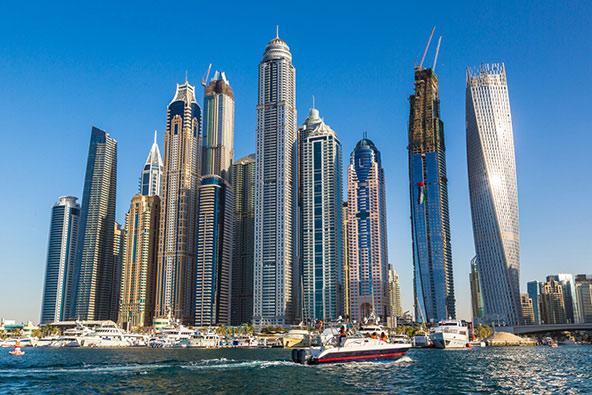 משרת החלומות בדובאי: בוחן מלונות יוקרה