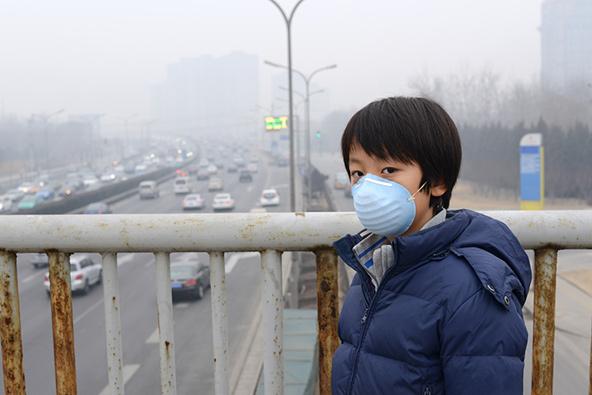 זיהום אוויר בבייג'ינג, בירת סין. האם זה העולם שנרצה להשאיר לילדינו?   צילומים: שאטרסטוק
