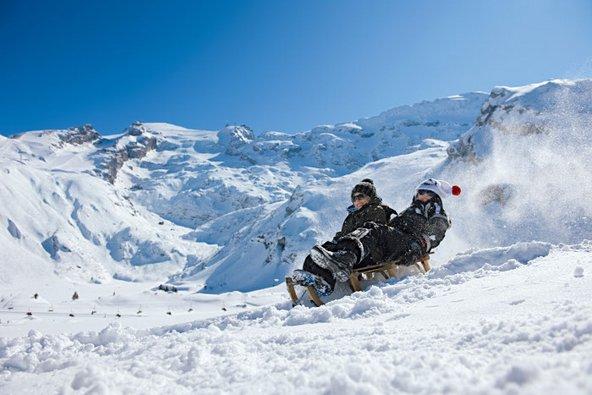 מזחלות בהר טיטליס | צילום: swiss-image.ch/Gian Marco Castelberg & Maurice Haas