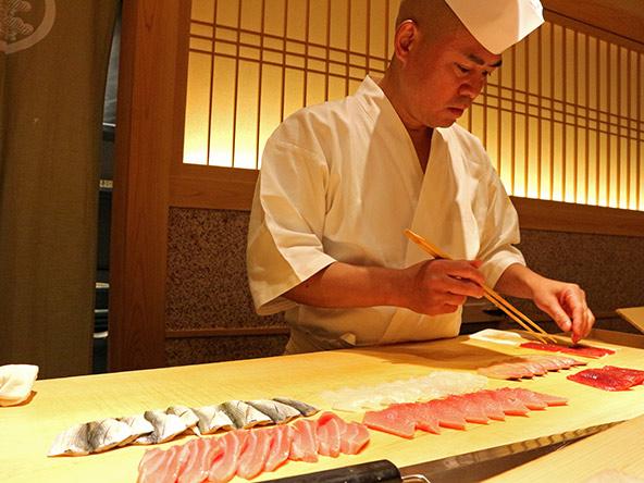 המטבח היפני משקף בין השאר את העובדה שיפן היא מדינת איים מוקפת בים