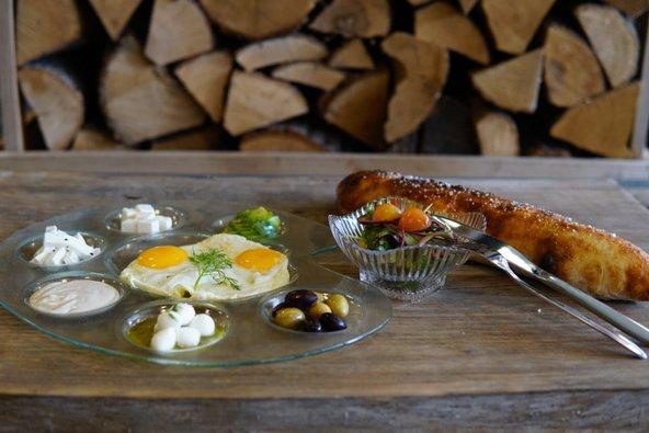 ארוחת בוקר במסעדת קרוואג'ו | צילום: אלדד שץ