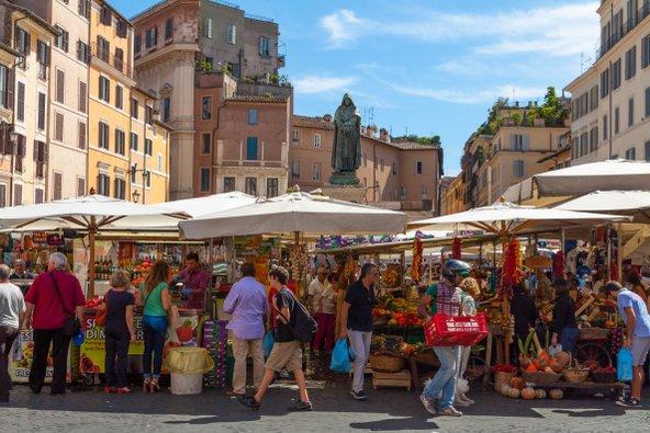 שוק קמפו די פיורי, אחד השווקים הנהדרים של רומא | צילום: Pedro Rufo / Shutterstock.com