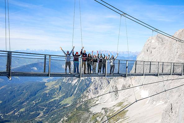 הגשר התלוי בקרחון דאכשטיין
