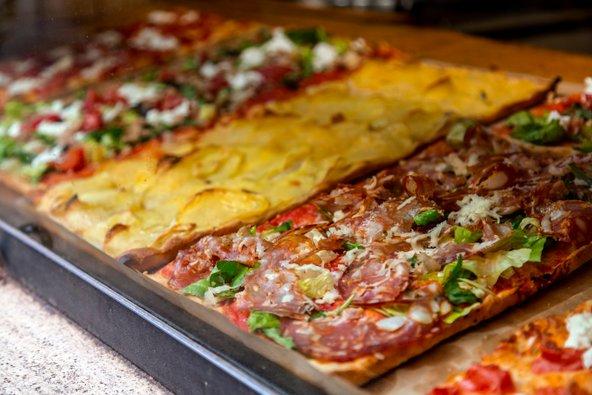 PIZZA ALLA TAGLIO, ארוחת צהריים זולה ומהירה