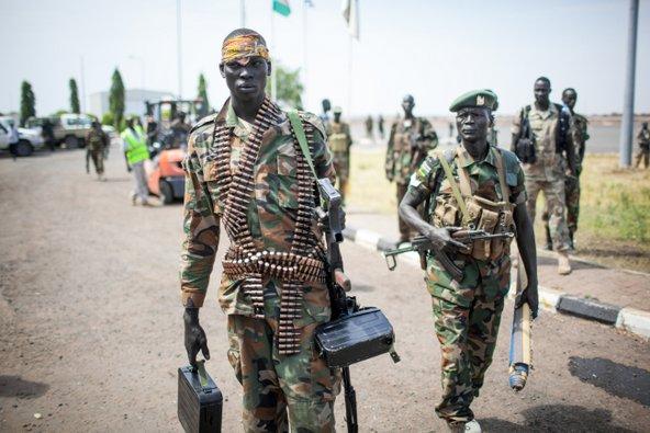 חיילים בדרום סודאן. המדינה הצעירה רחוקה מלהיות מקום בטוח