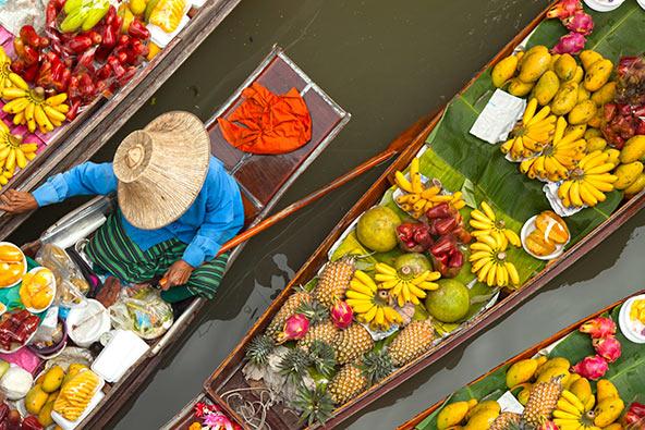 השוק הצף בבנגקוק. התייר הישראלי מוציא בממוצע בתאילנד יותר מתיירים מספרד, הולנד ושווייץ