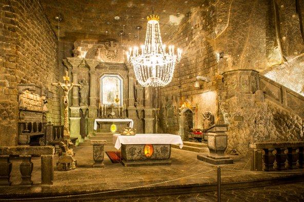 כנסיית מלח תת קרקעית במכרה המלח ויאליצ'קה | צילום: Beautiful landscape, שאטרסטוק