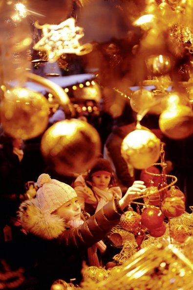 שוק חג המולד. החורף הוא עונה נהדרת לביקור בעיר | צילום: © WienTourismus/Peter Rigaud