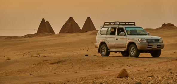 באזור קארימה יש ריכוזי פירמידות מרשימים | צילום: geogif / Shutterstock.com
