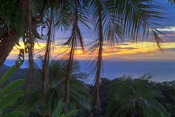 עם נופים כאלה, מה פלא שתושבי חצי האי ניקויה מאריכים חיים?