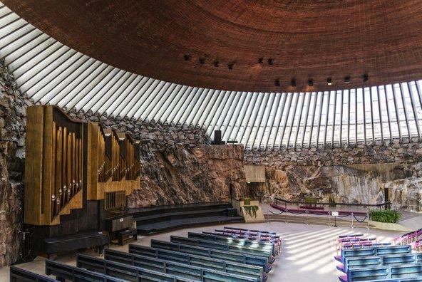 כנסיית טמפליאוקיו המרשימה, החצובה בסלע