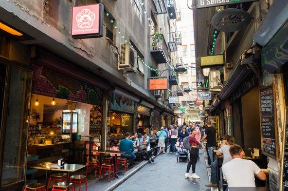 בתי קפה ומסעדות ברחוב פלינדרס