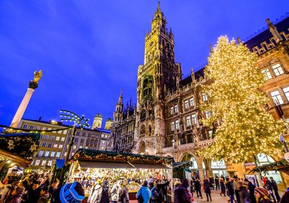 החורף, בתקופה הקודמת לחג המולד, הוא תקופה נהדרת לבקר במינכן | צילום: FooTToo / Shutterstock.com