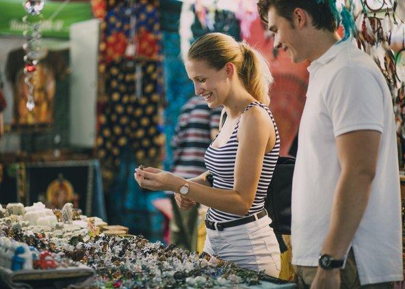 דוכן תכשיטים בשוק המלכה ויקטוריה