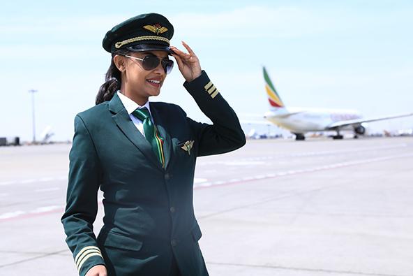 צוות שכולו נשים בטיסה של אתיופיאן איירליינס