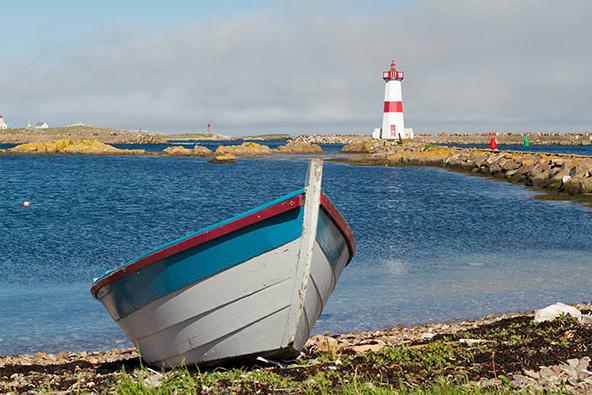 האי סנט פייר, ממזרח לחופי קנדה