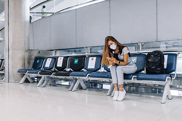 שדה תעופה בתאילנד. כשיתחדשו הטיסות ייכנסו תקנות חדשות, כמו חבישת מסכות וקביעת מרחק באזורי המתנה בטרמינל