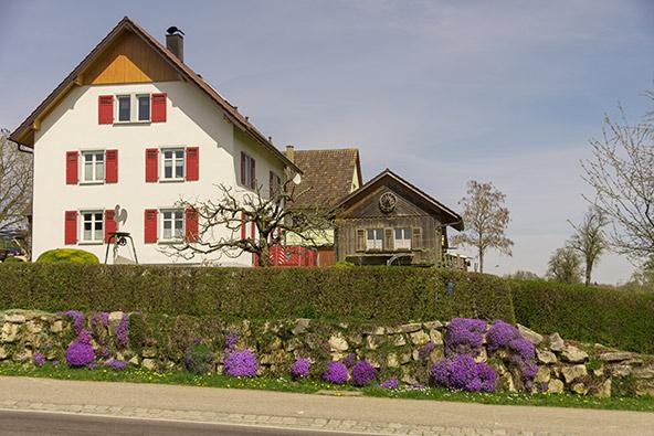 בית הארחה ביער השחור. כמו בישראל, גם בגרמניה הצימרים והמלונות הכפריים ייפתחו ראשונים