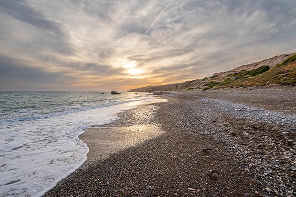 שקיעה בחוף אפרודיטה ליד פאפוס. האם הקיץ נוכל ליהנות מחופי קפריסין? | צילומים: שאטרסטוק