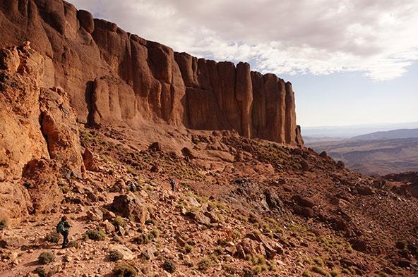 תצורות אבן חול בסביבת ג'בל סהרו | צילומים בכתבה: יזהר דמטר