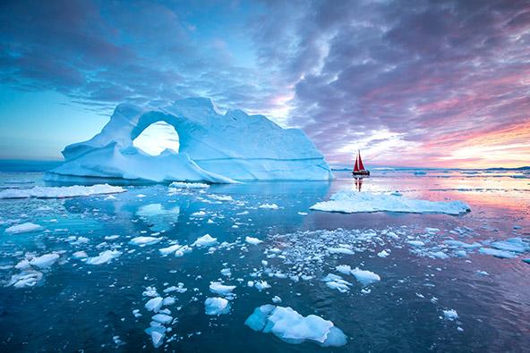 קרחונים צפים במפרץ דריסקו בגרינלנד
