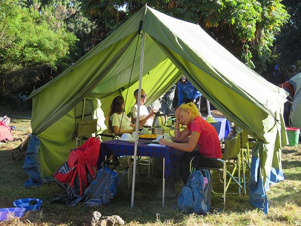 אוהל האוכל. לא מוותרים על קינוח וקפה