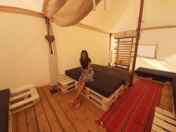 מדבריא. אוהל לשמונה (למעלה) ולארבעה וערסל לצד האוהל למנוחה מושלמת