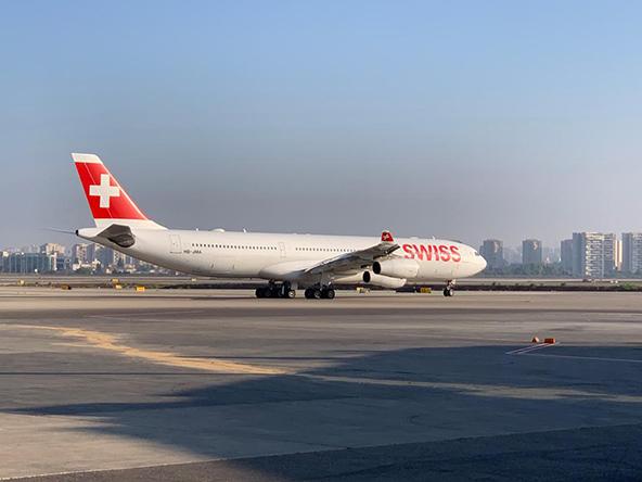"""אחרי הפסקה של כארבעה חודשים, מטוס של SWISS על המסלול בנתב""""ג"""