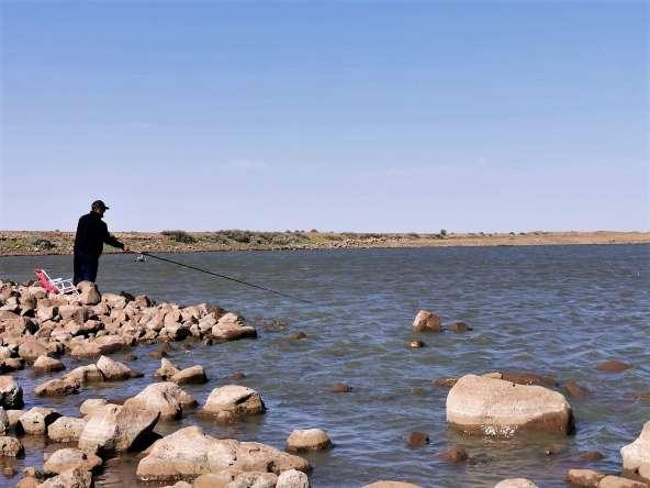 באנו לכאן לטבע, לדוג. גם המבוגרים משתעממים