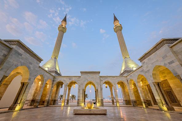 מסגד ראשיד אל זייני. בחריין היא מדינה מוסלמית וחוקיה מבוססים על השריעה, אם כי החוקה מתירה חופש דת