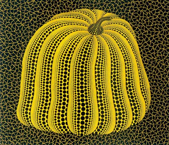 דלעת צהובה, הדפס משי של קוסאמה יאיוי, 1994. הדלעת הקסומה הזאת מעטרת את אחת הגלויות שיינתנו למבקרים במוזיאון טיקוטין