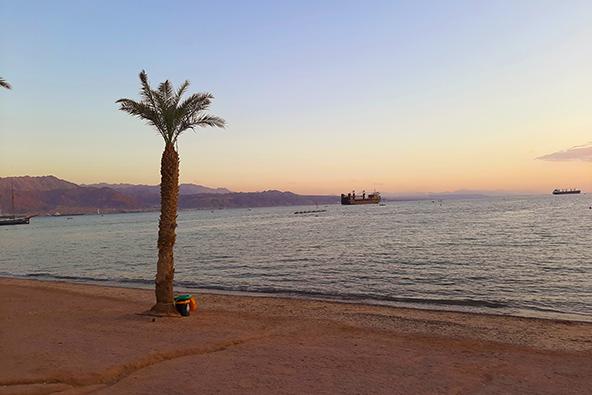שקיעה בחוף הצפוני של אילת, צילום רותם בר כהן
