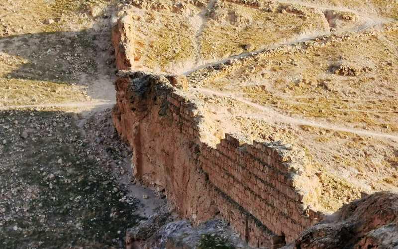 המלך החשמונאי יוחנן הורקנוס בנה את מבצר הורקניה מעל הבקעה הנושאת אף היא את שמו