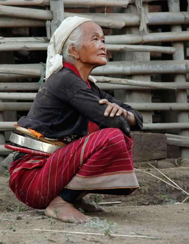 בת שבט הבמה (בורמן), שנתן את שמו למדינה - בורמה (צילום איתן קרן)