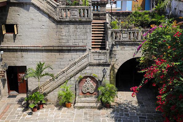 הרובע ההיסטורי של מנילה נפתח מחדש לתיירות פנים