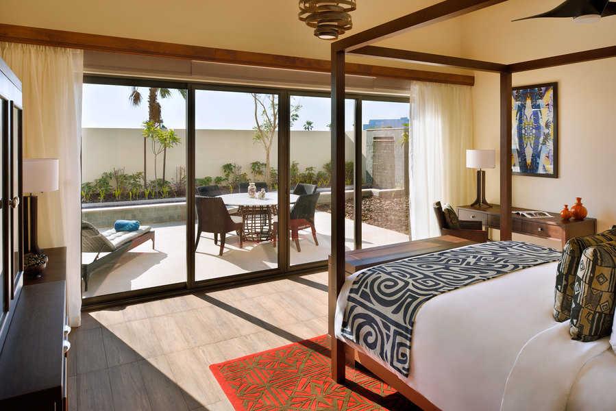 חדר ב-Lapita Hotel. חדרים מרווחים עם דלתות מקשרות, אידיאלי למשפחות