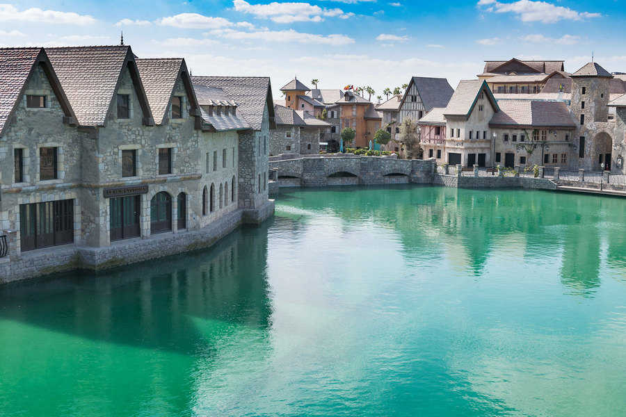 הדבר האחרון שציפיתי לפגוש בדובאי - עיירה צרפתית קטנה על גדות נהר...