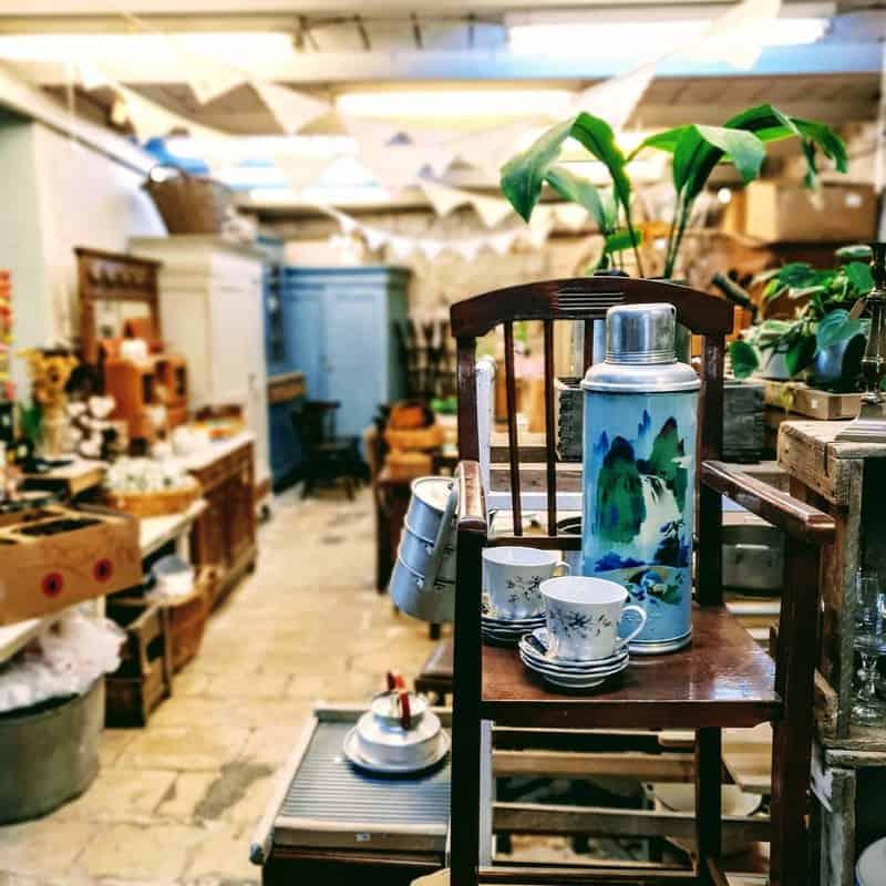 חנות שוק הפשפשים   צילום: תומר פוקס