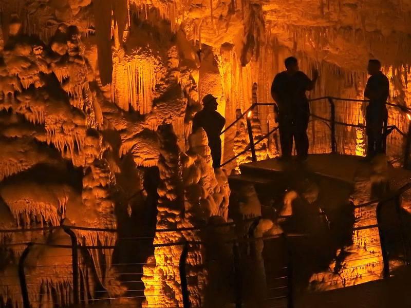 ביקור-צילום במערת הנטיפים