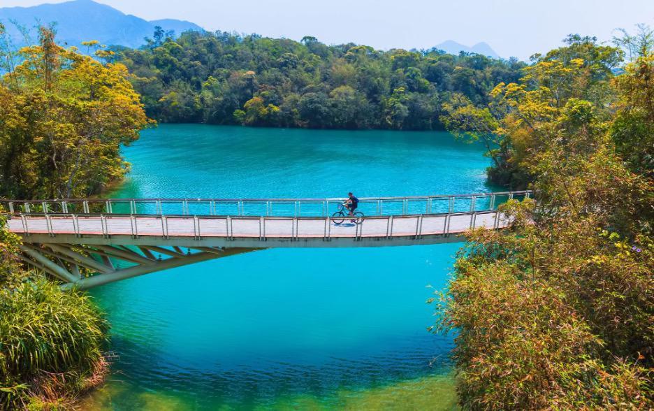 Photo credit: Sun Moon Lake / Zen S Prarom/Shutterstock.com