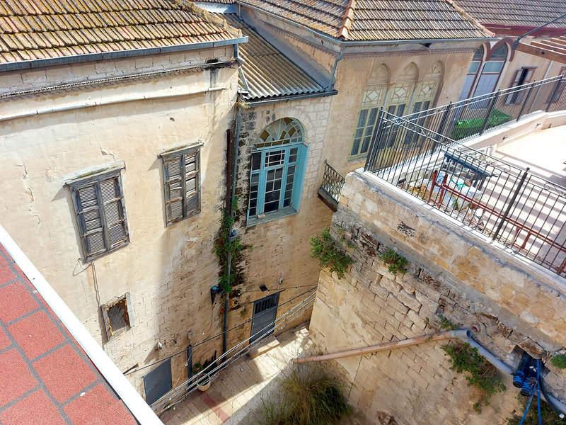 מבט מאחד הגגות בעיר העתיקה