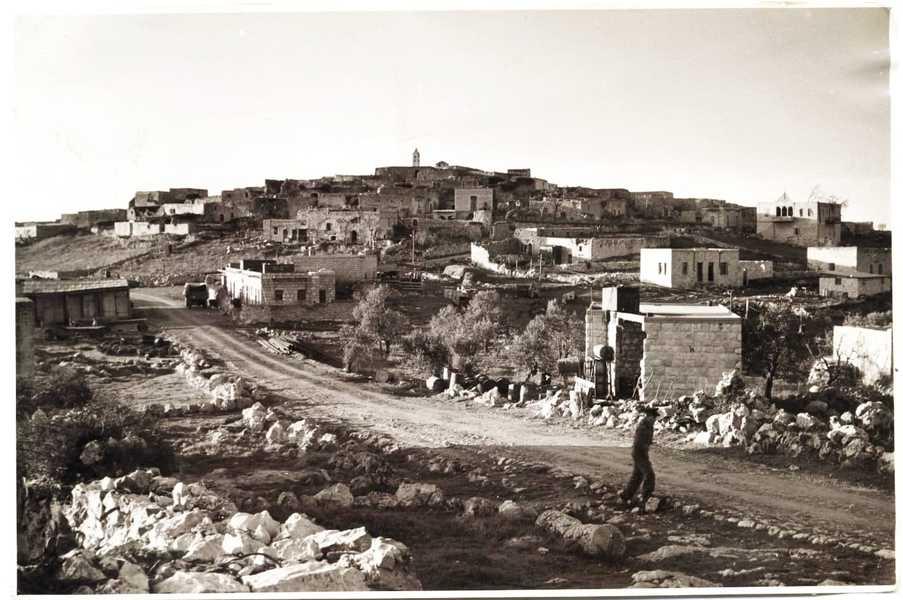 באדיבות שאדי חלול ועמותה נוצרית בישראל: בירעם היה כפר חקלאי שהיה ידוע בכל הגליל בגידול של טבק איכותי. היו כאן טחנת קמח ושני בתי בד שעבדו עם כח סוסים לסחיטת השמן. חיו כאן בערך אלף איש, כולם נוצרים מארונים, כפר יחיד בין כפרים של מוסלמים, דרוזים, נוצרים אחרים וצ'רקסים. היו כאן רופא, אחיות, סנדלר ונגר. היה לנו בית ספר לילדים, בית קולנוע מפואר ומלון