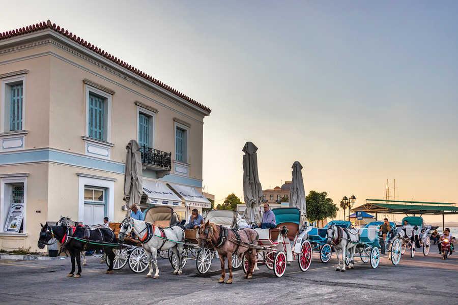 יוון: איים מפתיעים שקל להגיע אליהם
